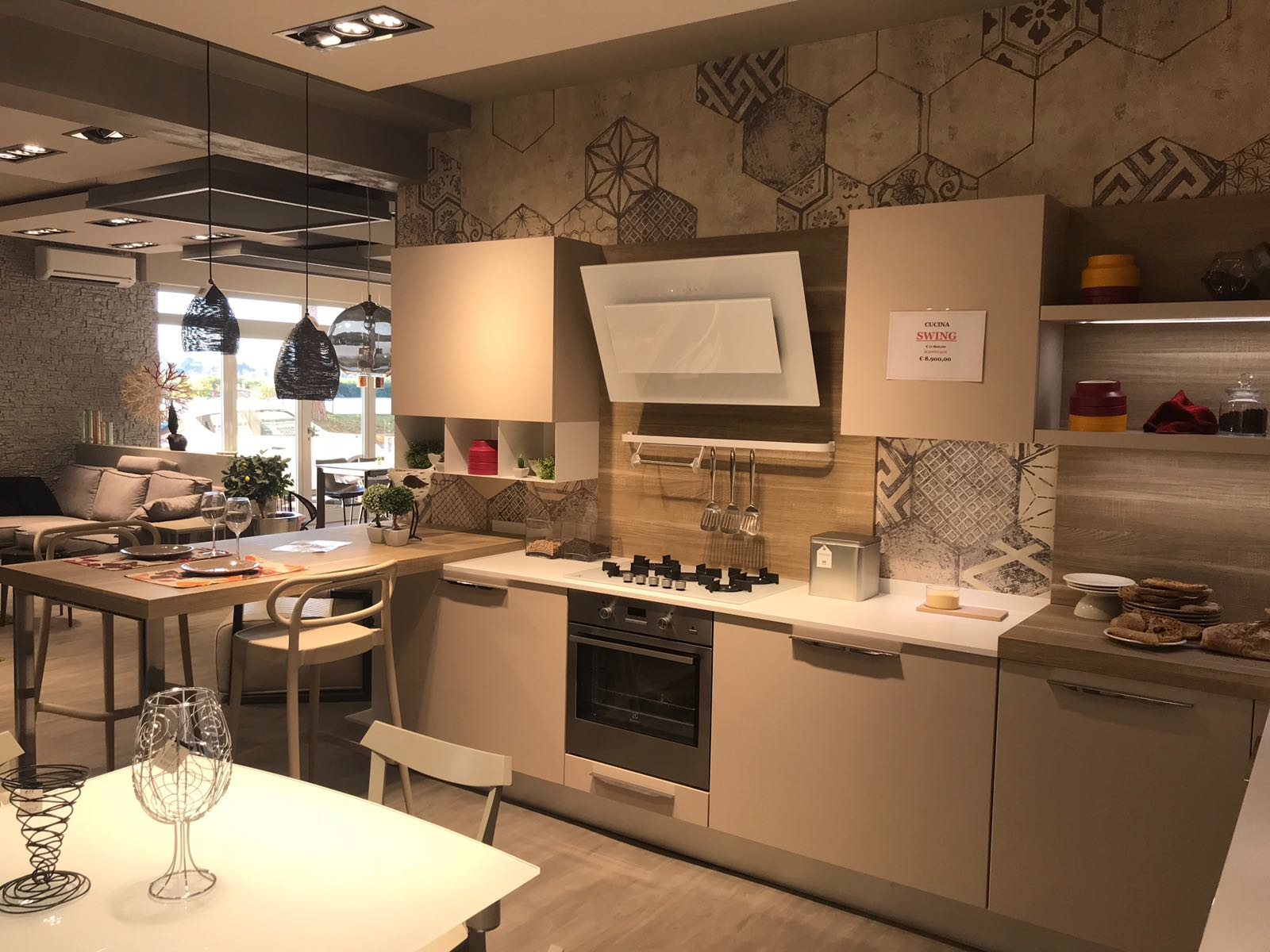 Creo kitchen prezzi cucine creo cucine lube and the new brand creo kitchens together in a new - Cucina lube nita ...